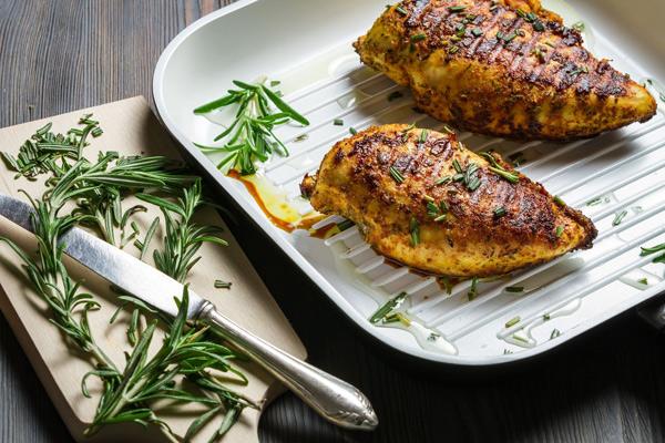 Как приготовить сочные куриные грудки