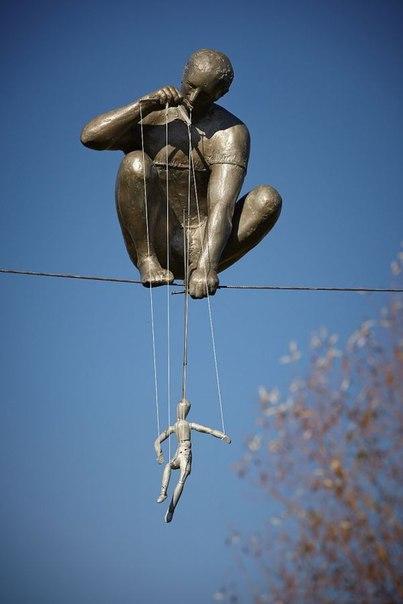 Скульптуры, балансирующие в воздухе искуство, история, скульптуры, факты