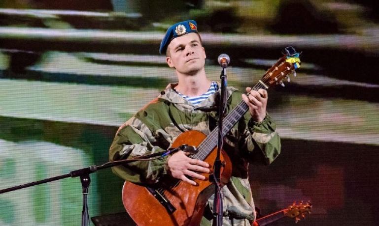 На Донбасс отправят тысячу компакт-дисков с песнями боевиков «АТО»