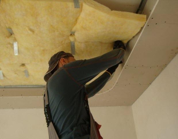 Делаем звукоизоляцию потолка своими руками