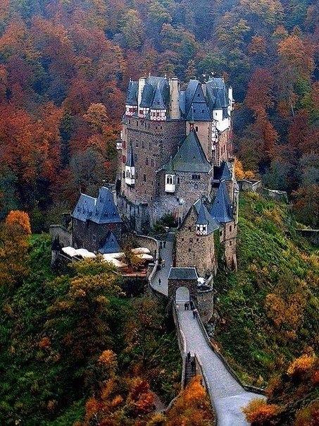 Сказочный замок Эльц, Германия