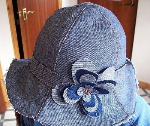 Панамки и шляпы из старых дж…