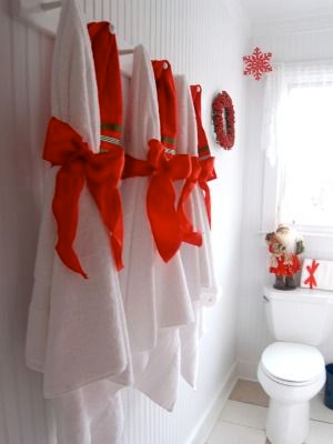 How to decorate bathroom towels