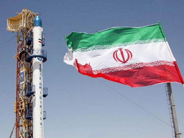Космический ракетоноситель Ирана на старте