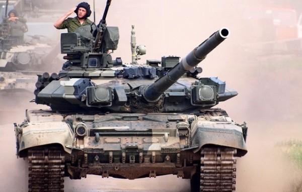 «Танковая и общевойсковая армии – ответ России на приближение НАТО к границам»