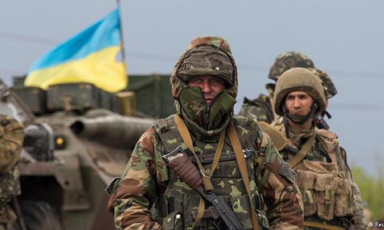 Донецк снова под обстрелом: силовики стягивают вооружение