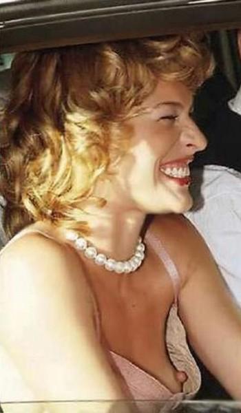 фото голых засветов знаменитостей