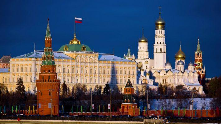 «Европейские блага» в обмен на безопасность: немецкий политолог об отказе РФ от армии за «лакомое» предложение.