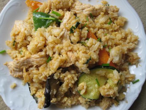 Рис, жареный с яйцом — тайский вариант