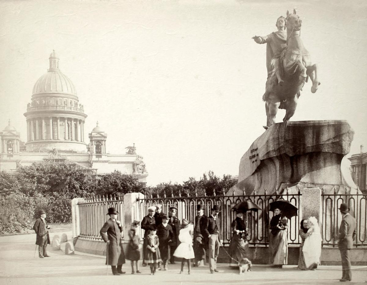 Вчера и сегодня: взгляд сквозь столетия на Санкт-Петербург