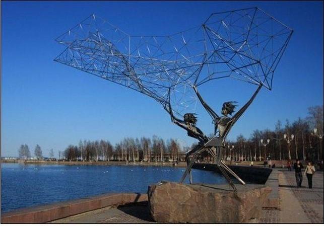 Памятник рыбакам. Петрозаводск Прикольные памятники, факты