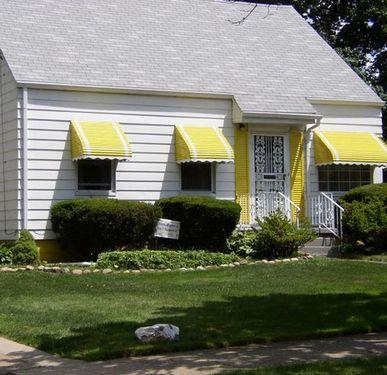 цвет маркизы для загородного дома и дачи
