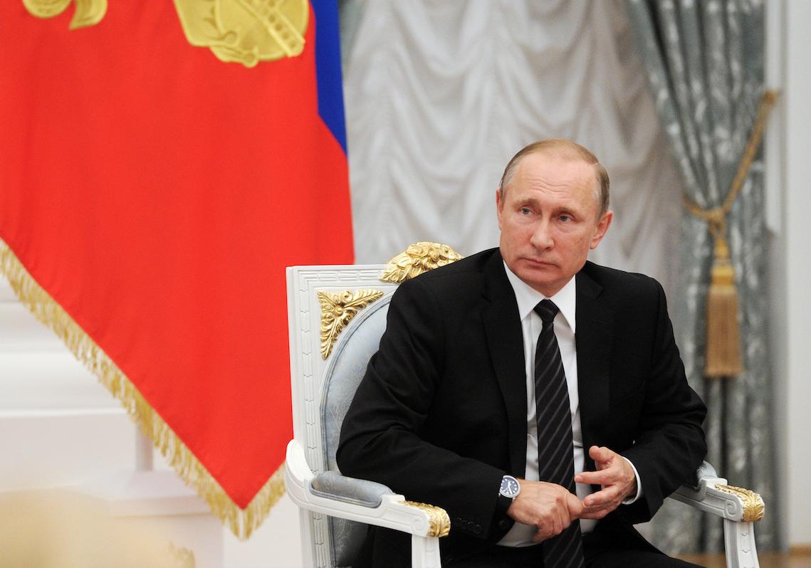 Путин поддержал идею отменить экзамен для мигрантов с Украины и из Белоруссии