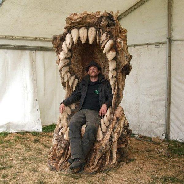 Деревянный трон в виде пасти (Diy)