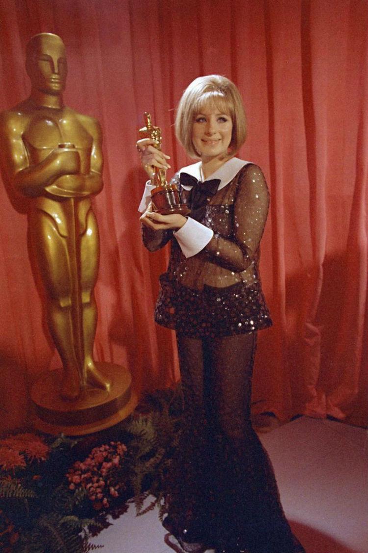 Барбра Стрейзанд на церемонии «Оскар», 1969 год  история, платье