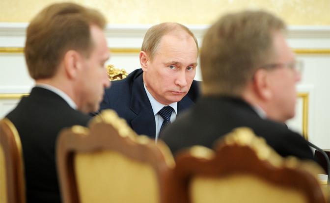 Запад верит не Путину, а предателям из его окружении