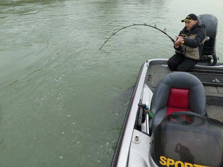 Этот рыбак даже не ожидал ТАКОГО улова