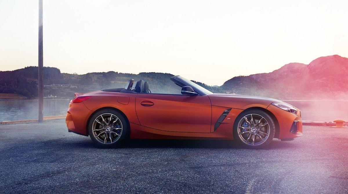 Стали известны российские цены на BMW Z4