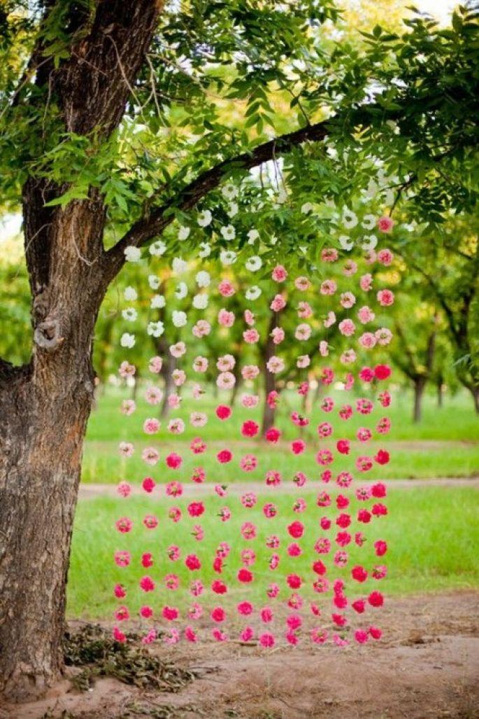 Как украсить дачный участок на свадьбу