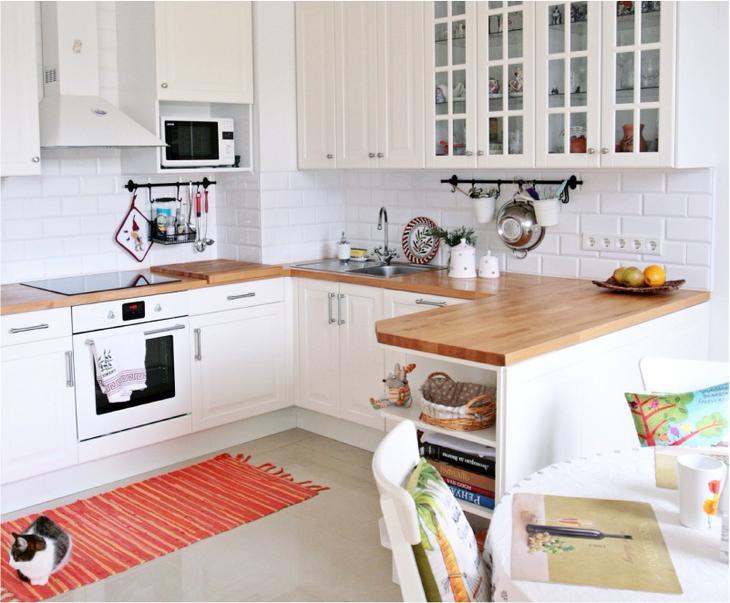 Система рейлингов в интерьере кухни
