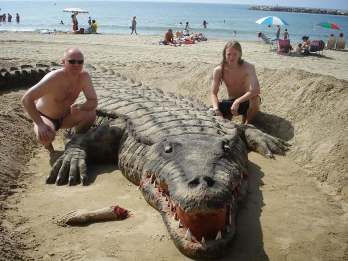 Реалистичная скульптура из песка.