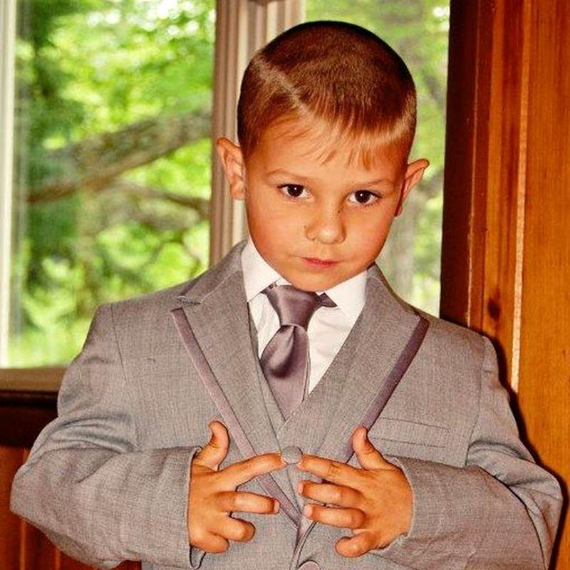Папа этого мальчика выложил его фото в соцсетях в поисках поддержки. Дальше произошло удивительное!