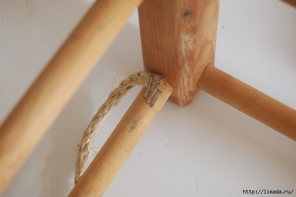 staple-rope-to-bottom-of-stool (600x400, 92Kb)