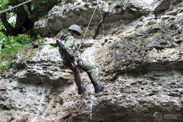 Удержать перевал: особенности военного альпинизма