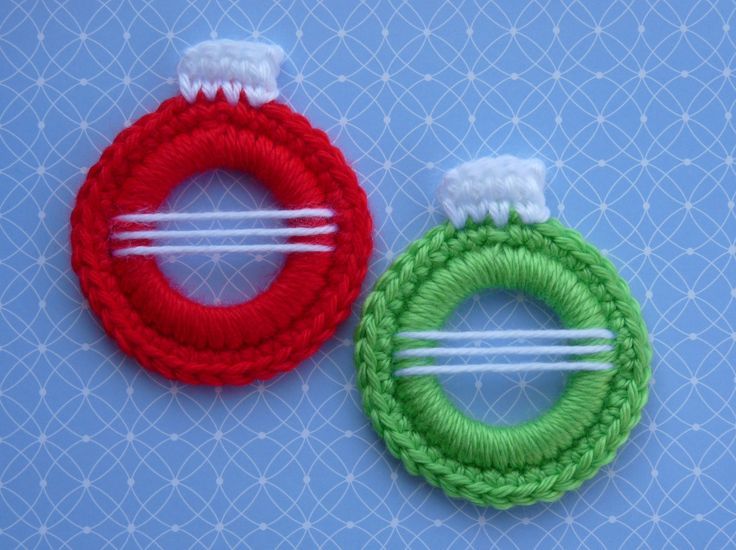 Whiskers & Wool: Christmas Ball Ring Ornament