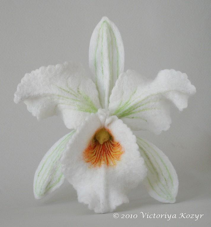 http://cs2.livemaster.ru/foto/large/e59824666-ukrasheniya-brosh-belaya-orhideya-katleya-n8217.jpg