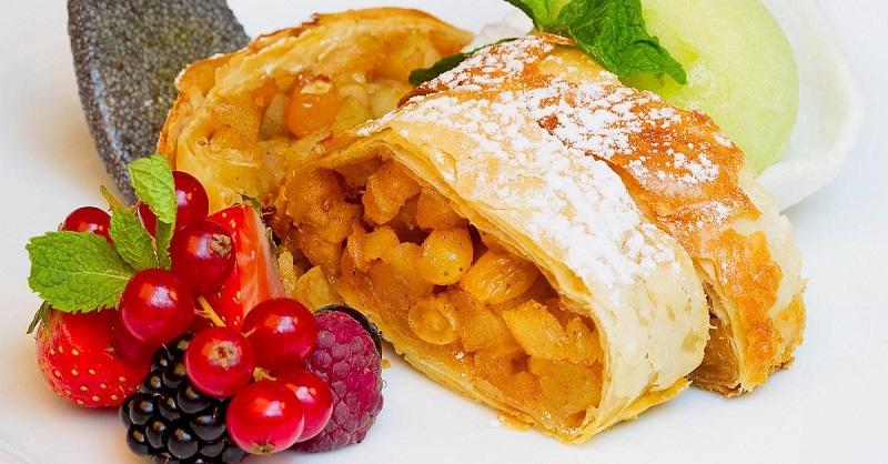 Песочное тесто и сочная начинка — лучше десерта и не придумаешь!