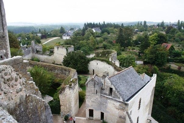 Замок Лош, Франция