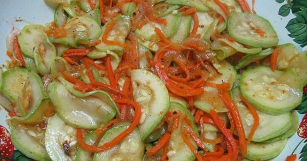 Вкуснейшая заготовка на зиму: кабачки по-корейски