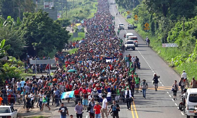 К границе США идет «армия» латиноамериканцев, чтобы свергнуть Трампа