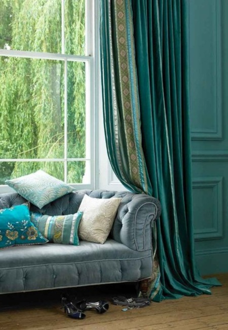 Интерьер по-европейски: 10 идей с диваном в неожиданных местах фото 2