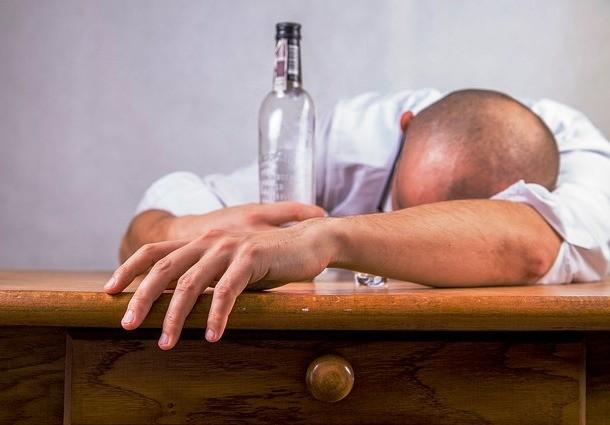 pixabay.com-alcohol-428392_640-610x425