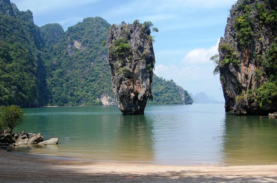 Красивейшие и необычнейшие морские скалы в мире