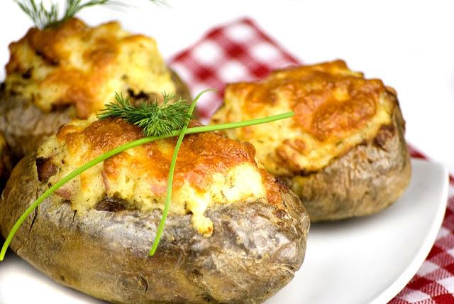 Готовим вкусный фаршированный картофель