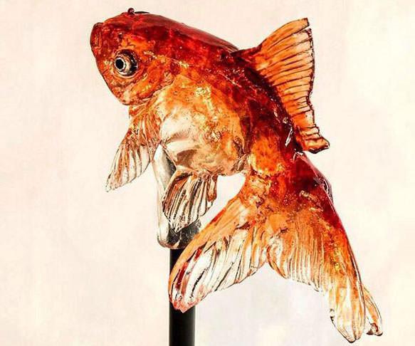 13. Пугающе реалистичный чупа-чупс в виде золотой рыбки новый год, подарки, приколы