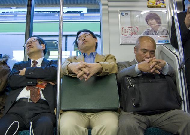 фото домогательство в транспорте
