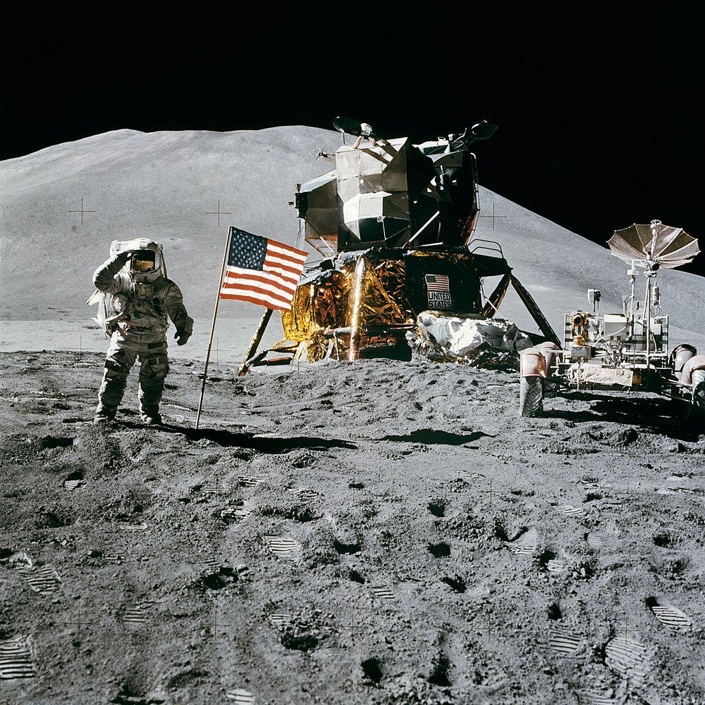 Почему все кадры с Луны не д…