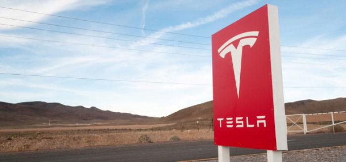 Tesla обвинили в шпионаже за сотрудниками и сокрытии информации о наркоторговле