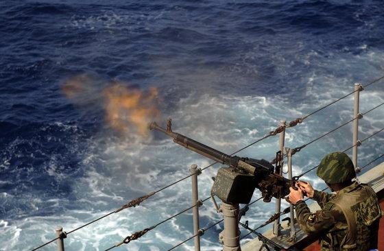 Флот и спецназ могут освободить захваченный Ливией российский танкер