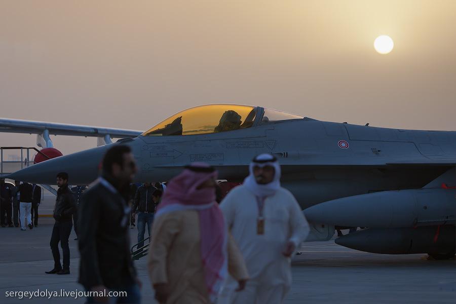 1424 Авиасалон в Бахрейне: Фотографии, сделанные против солнца
