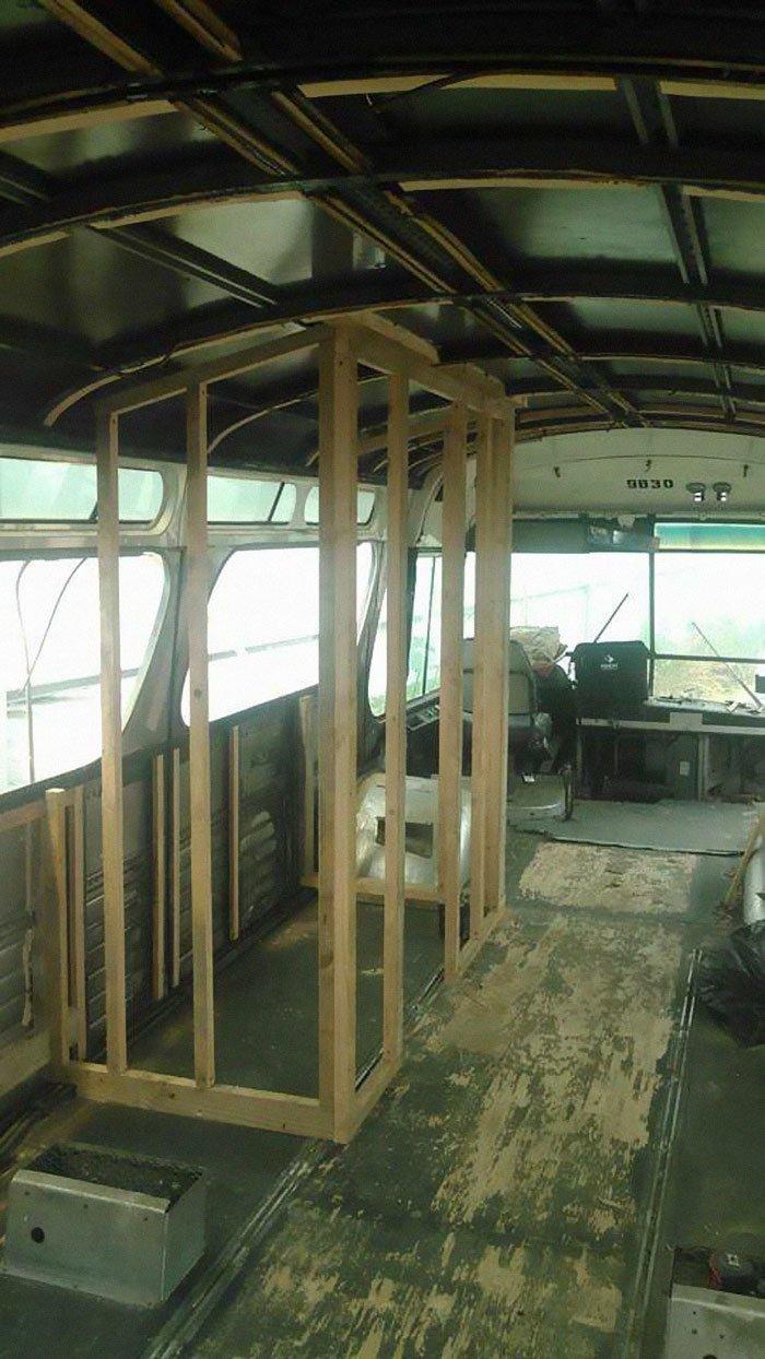 """""""Я люблю проекты """"сделай сам"""", но я мало что смыслю в сантехнике, электрике и плотничном деле"""", - рассказывает Липскин автобус, дизайн, дом, идея, проект, сделай сам, фото"""