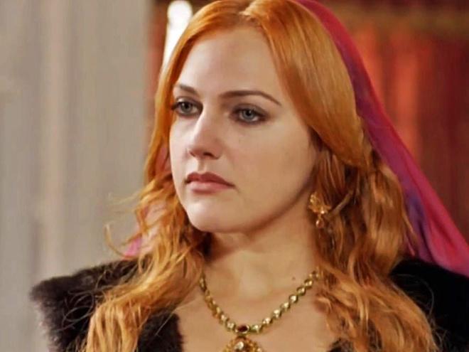 Актриса сериала «Великолепный век» довела себя до ужасного состояния «уколами красоты»