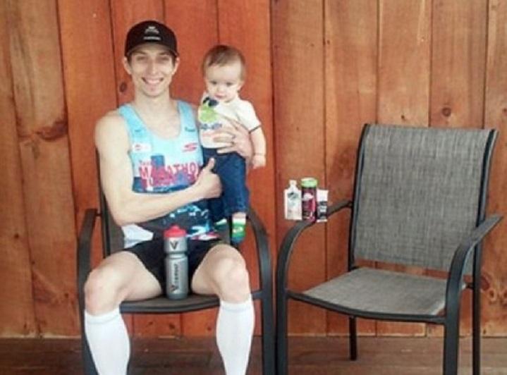 Врачи не давали шансов этому малышу... Но его отец сделал для него нечто невероятное!