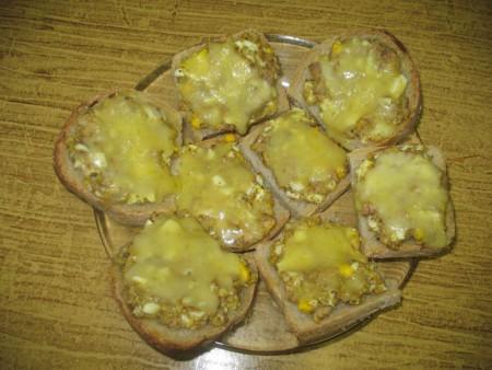 Запеченные бутерброды с рыбой