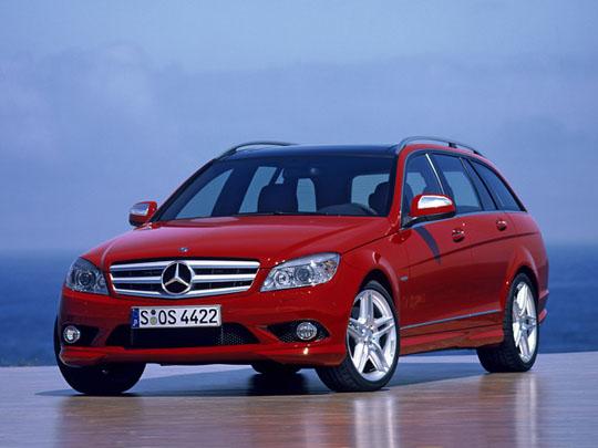 Каждый второй автомобиль в РФ в 2013 году был куплен в кредит