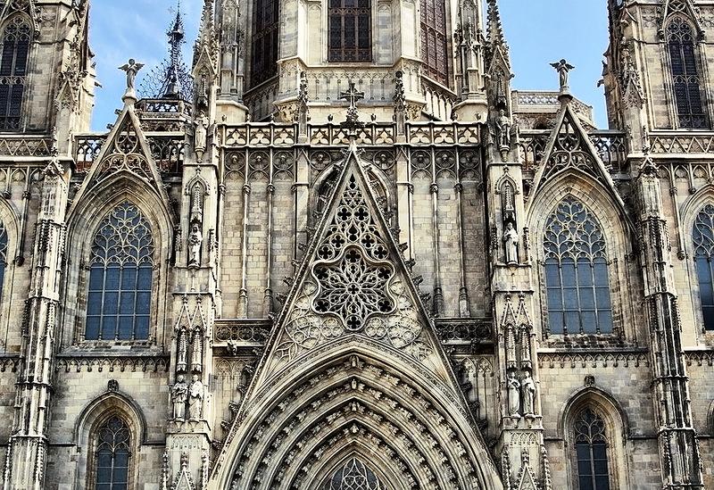 Кафедральный Собор в Барселоне - шедевр готической архитектуры